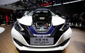 Nissan lança versão elétrica do Setra, chamado Sylphy no mercado chinês, no Salão de Pequim 2018 (Foto: Jason Lee/Reuters)